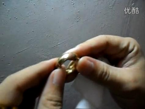 点击观看《Tungsten gold ring coating strength test》